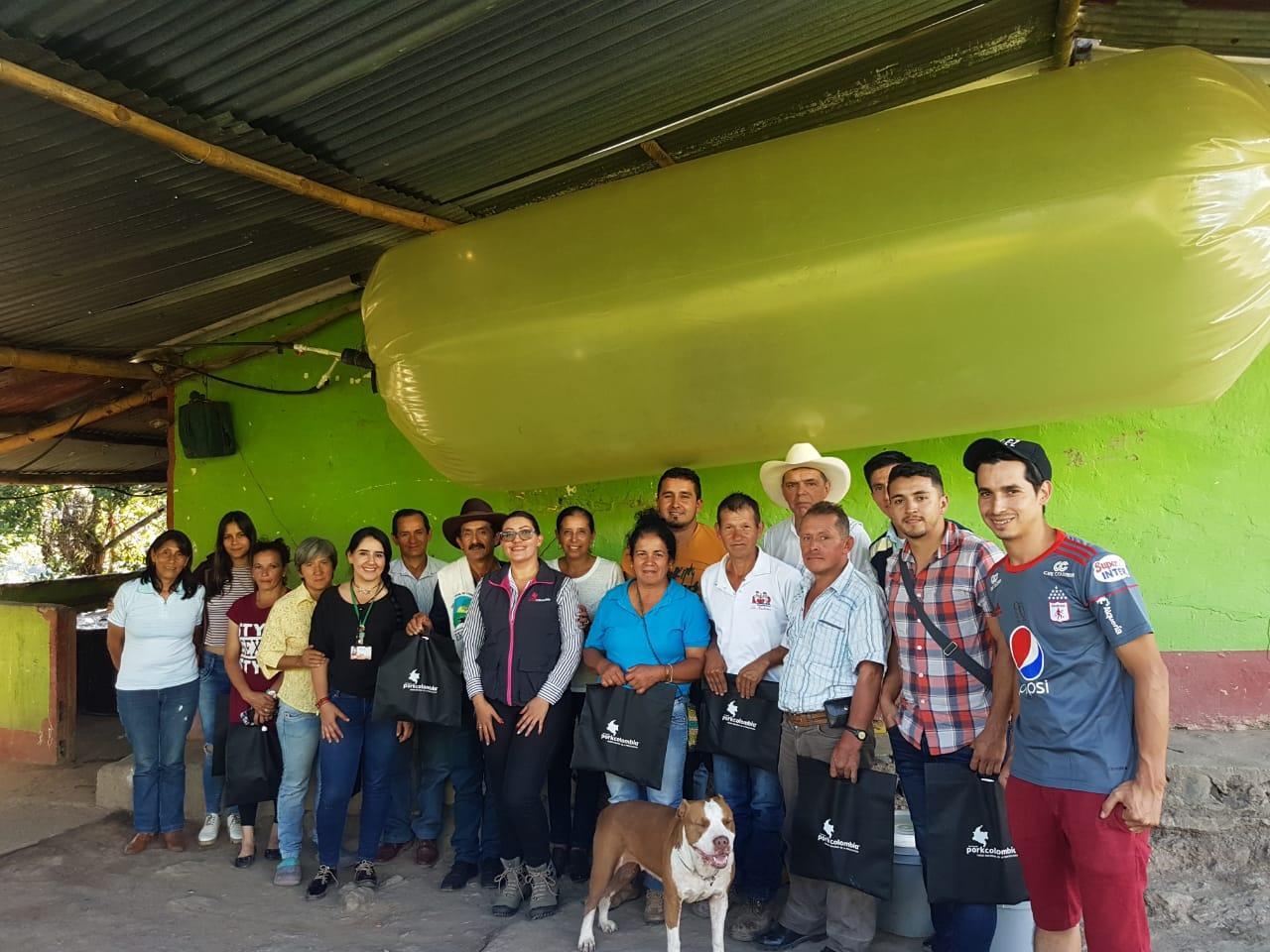 Noticias desde nuestro Nodo Santander , granja porciola  familiar Porcivel .